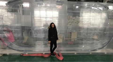 Großes Quallen aquarium 5500 l . 600 cm x 250 cm